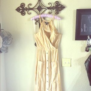 NWOT mustard and white dress w/ snack holes!